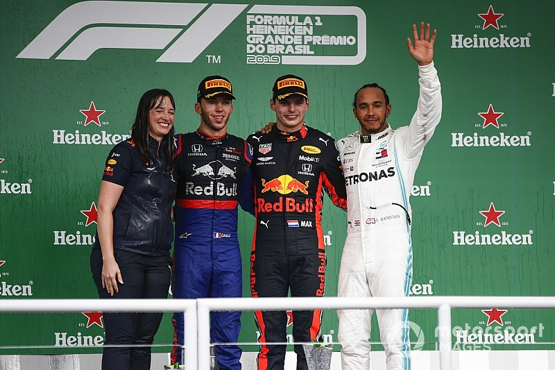 Lewis Hamilton perd sa troisième place au profit de Carlos Sainz