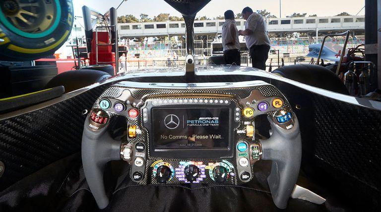 Un problème technique sur le volant de Lewis Hamilton l'a empêché de se battre pour la pole à Austin
